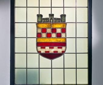 Wappen von Bergneustadt. Zahnarztpraxis Dr. Karl-Uwe Jülich, Talstraße 10, Bergneustadt. Foto Dietrich Hackenberg